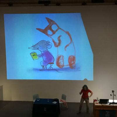 Viviane talks to the children at her Bookshow performance in Oxford 2018